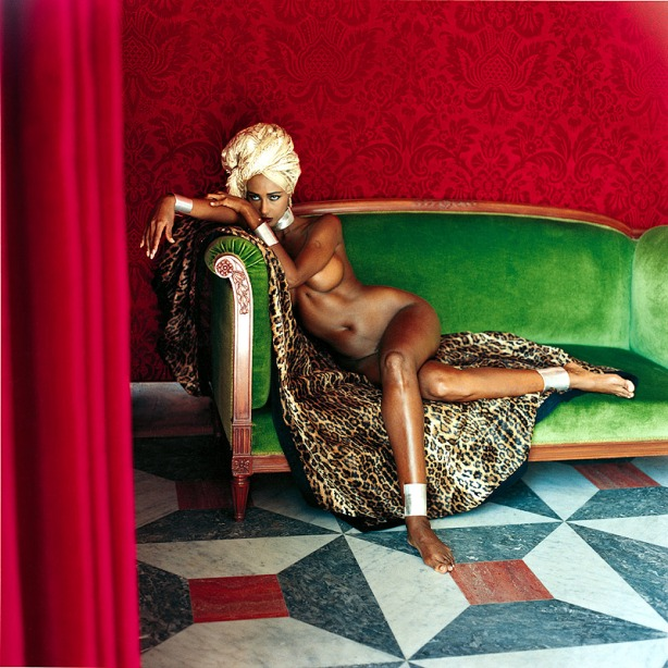 Iman, American Vogue, Hotel Negresco, Nice 1989 © Helmut Newton Estate, courtesy Helmut Newton Foundation